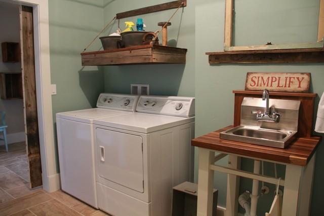 Custom Home craftsman-laundry-room