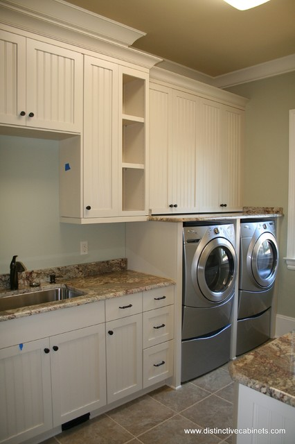 Distinctive cabinets llc utility rooms traditional laundry room