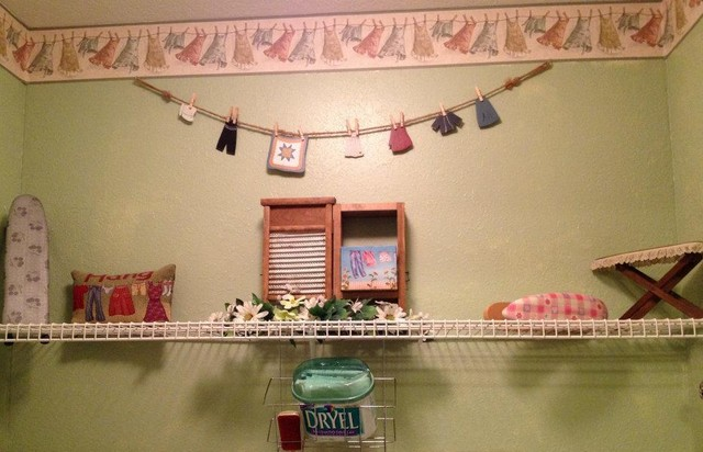 Divine Intreiors traditional-laundry-room