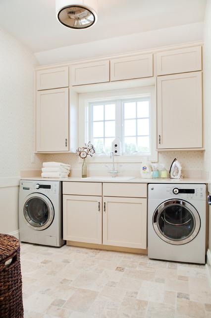 Dream House Studios, Inc. transitional-laundry-room