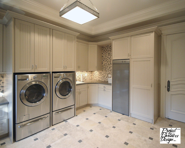 Dream laundry room traditional utility room chicago for Utility rooms uk