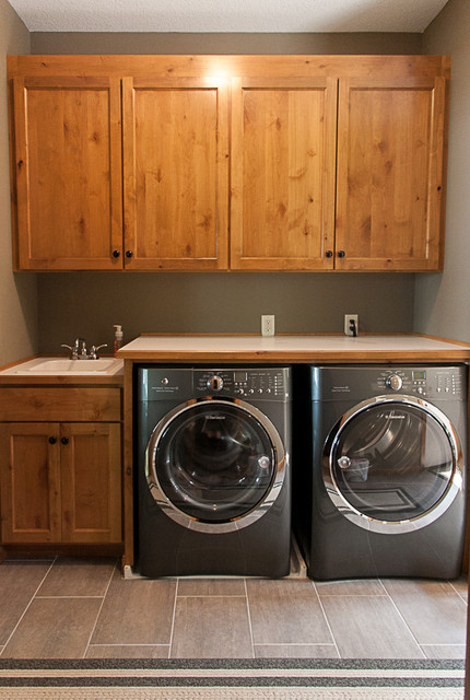 Foyer Laundry Room : Entryway and mudrooms
