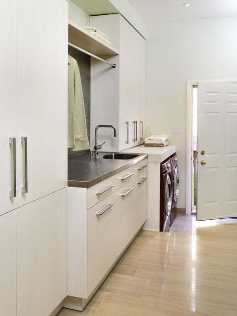erin mills project - laundry room - Contemporary - Laundry Room - toronto - by XTC Design ...
