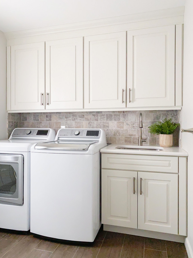 Laundry room - traditional laundry room idea in Detroit