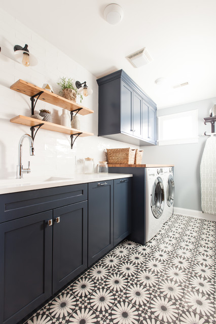 10x10 Bathroom: Evanston Laundry Room