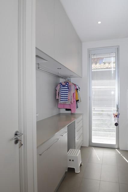 Family Home Melbourne Australia Contemporary Laundry