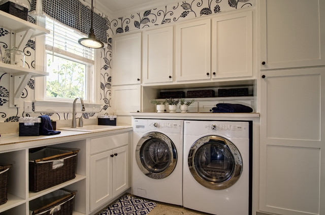 Farinelli Construction Inc eclectic laundry room