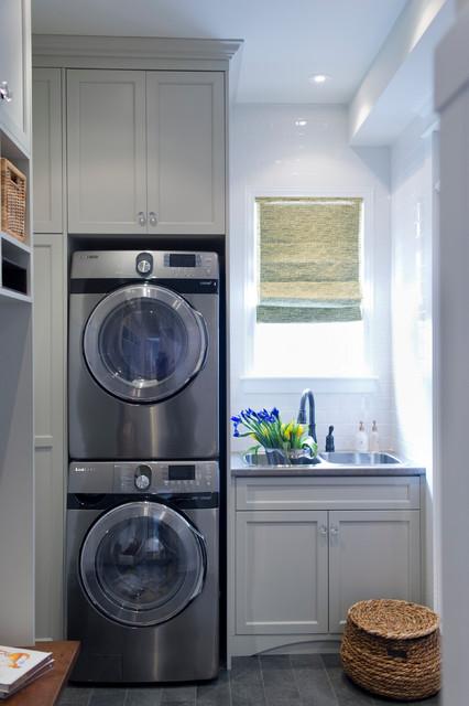 Forest edge transitional laundry room toronto by for Cocina y lavanderia juntas