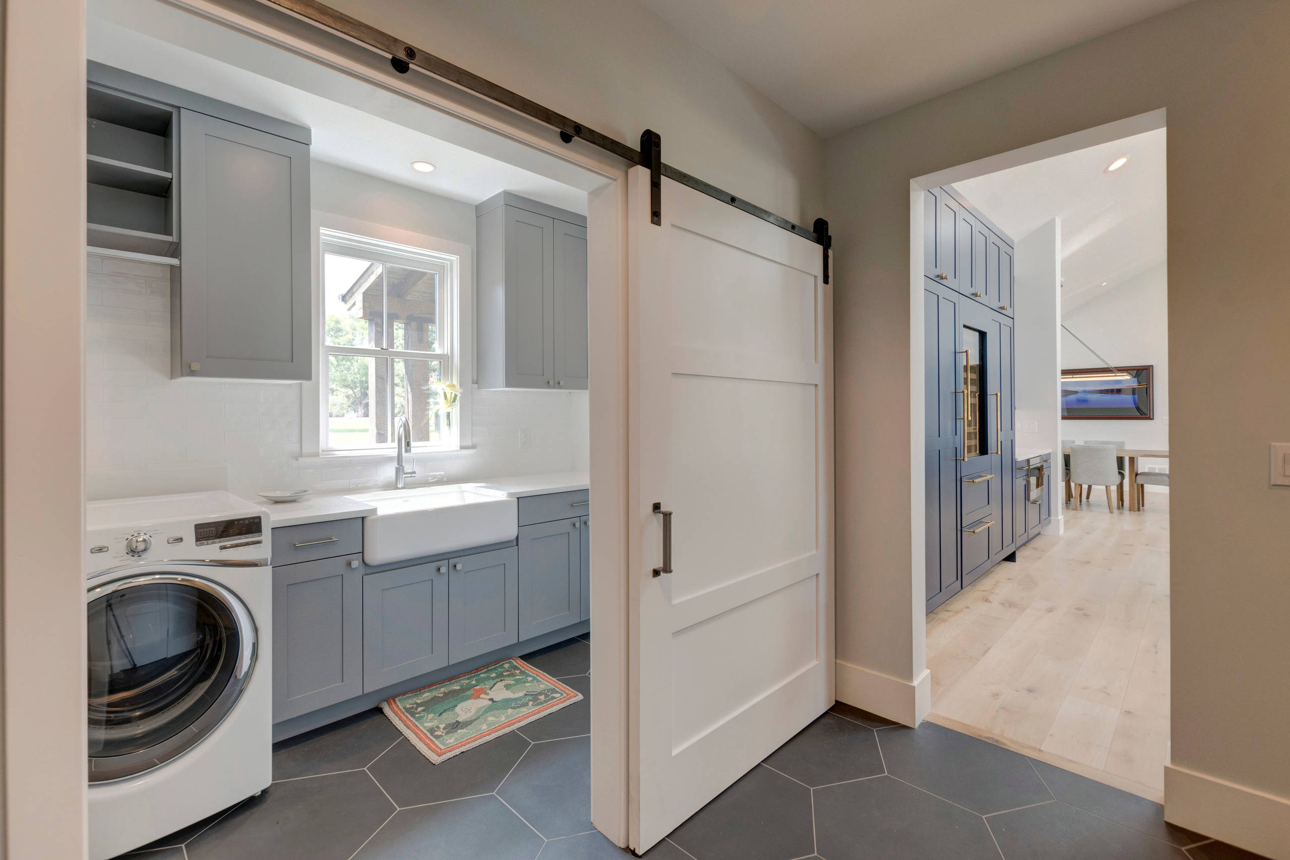 75 Beautiful Farmhouse Laundry Room Pictures Ideas December 2020 Houzz