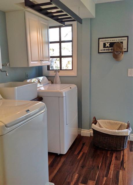 Garage Conversion Into Bedroom Suite Storage Laundry