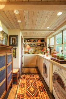 Garden House - Farmhouse - Laundry Room - Sacramento - by Dave Adams Photography