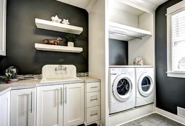 Georgetown Shores Traditional Laundry Room Grand