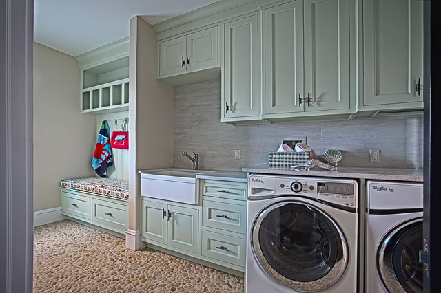 Hargest Custom Cabinetry 2 Farmhouse Laundry Room