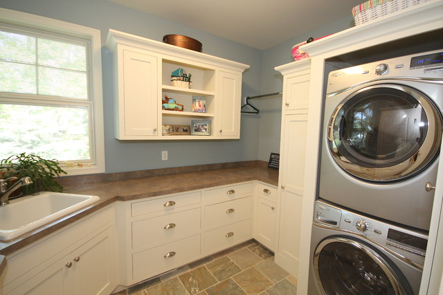 Haven Lake Home traditional-laundry-room