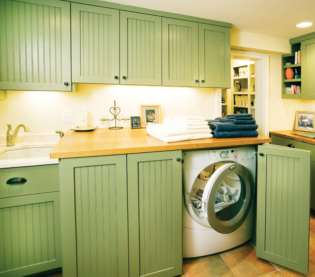 HIdden laundry - Traditional - Laundry Room - minneapolis - by Anna Berglin Design