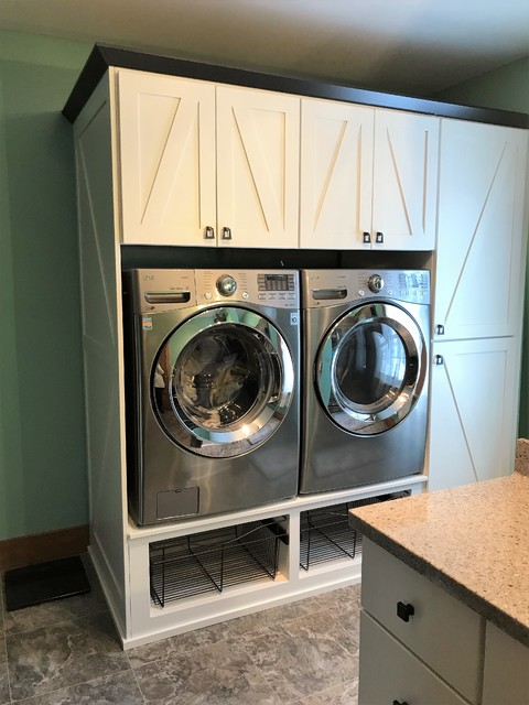 Laundry room - craftsman laundry room idea in Other