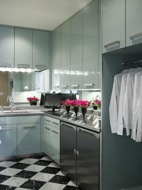 Jamie Herzlinger modern-laundry-room