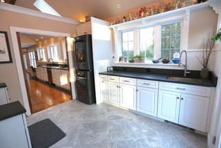 75 Most Popular Expansive Utility Room With Black Worktops Design