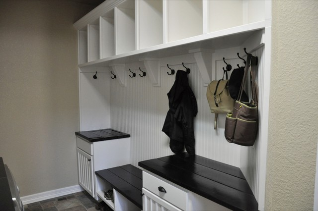Kjelgaard Mudroom contemporary laundry room