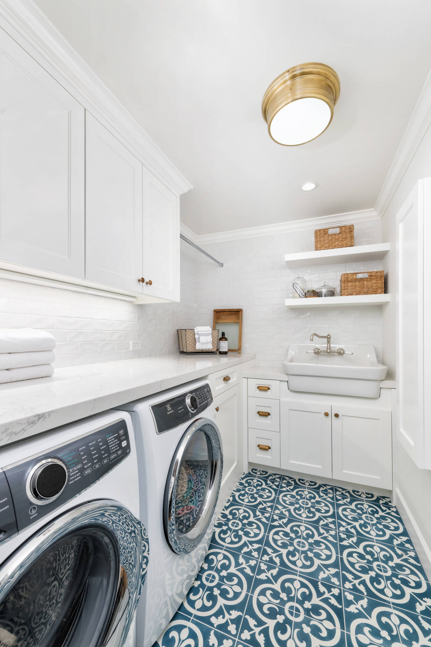 75 Beautiful Small Laundry Room Pictures Ideas Houzz