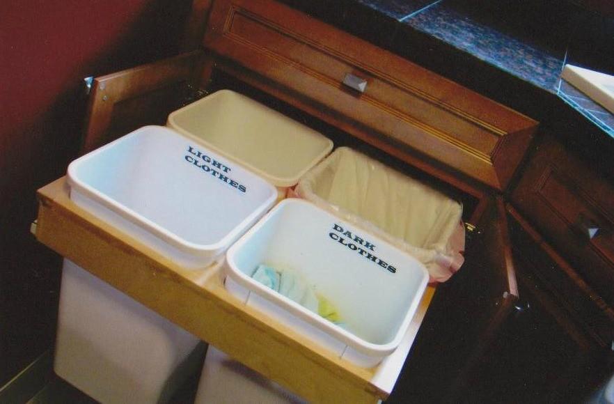 Kraftmaid Cabinetry Kennsington Maple Praline Traditional Laundry Room Detroit By Kristi Warrington