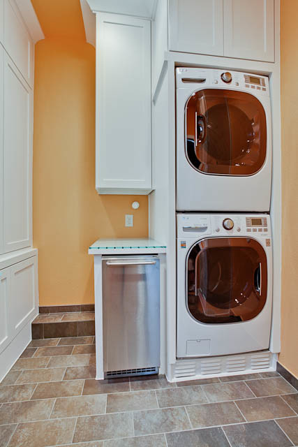 what brand is this stackable washer dryer full size dimensions come in just white or colors too. Black Bedroom Furniture Sets. Home Design Ideas