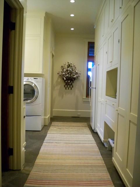 Landrum SC residence traditional-laundry-room