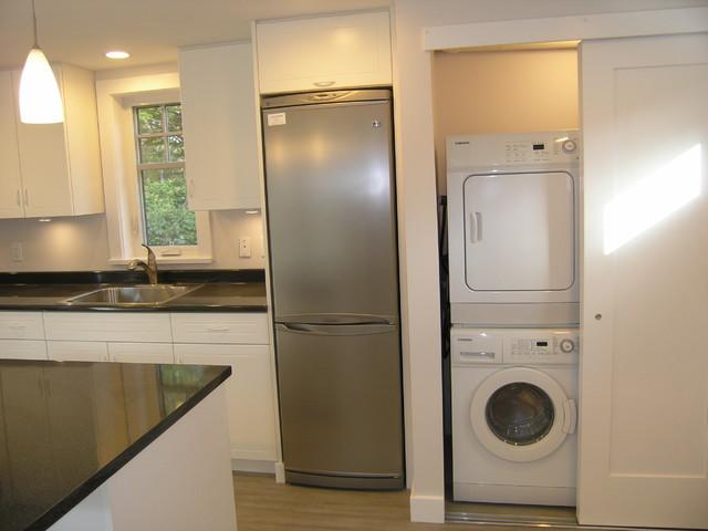 Laneway modern-laundry-room