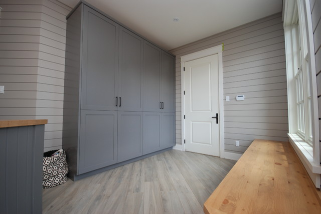 Mudroom Storage Canada : Laundry mudroom space transitional room