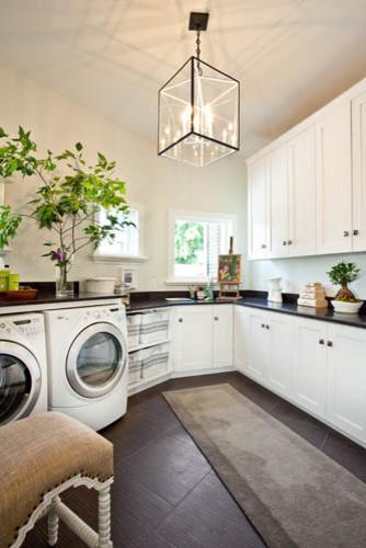 Laundry room - modern laundry room idea in Salt Lake City