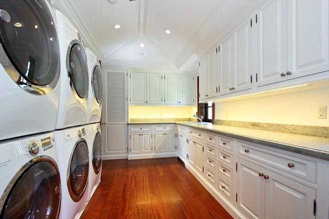 Laundry/Closets