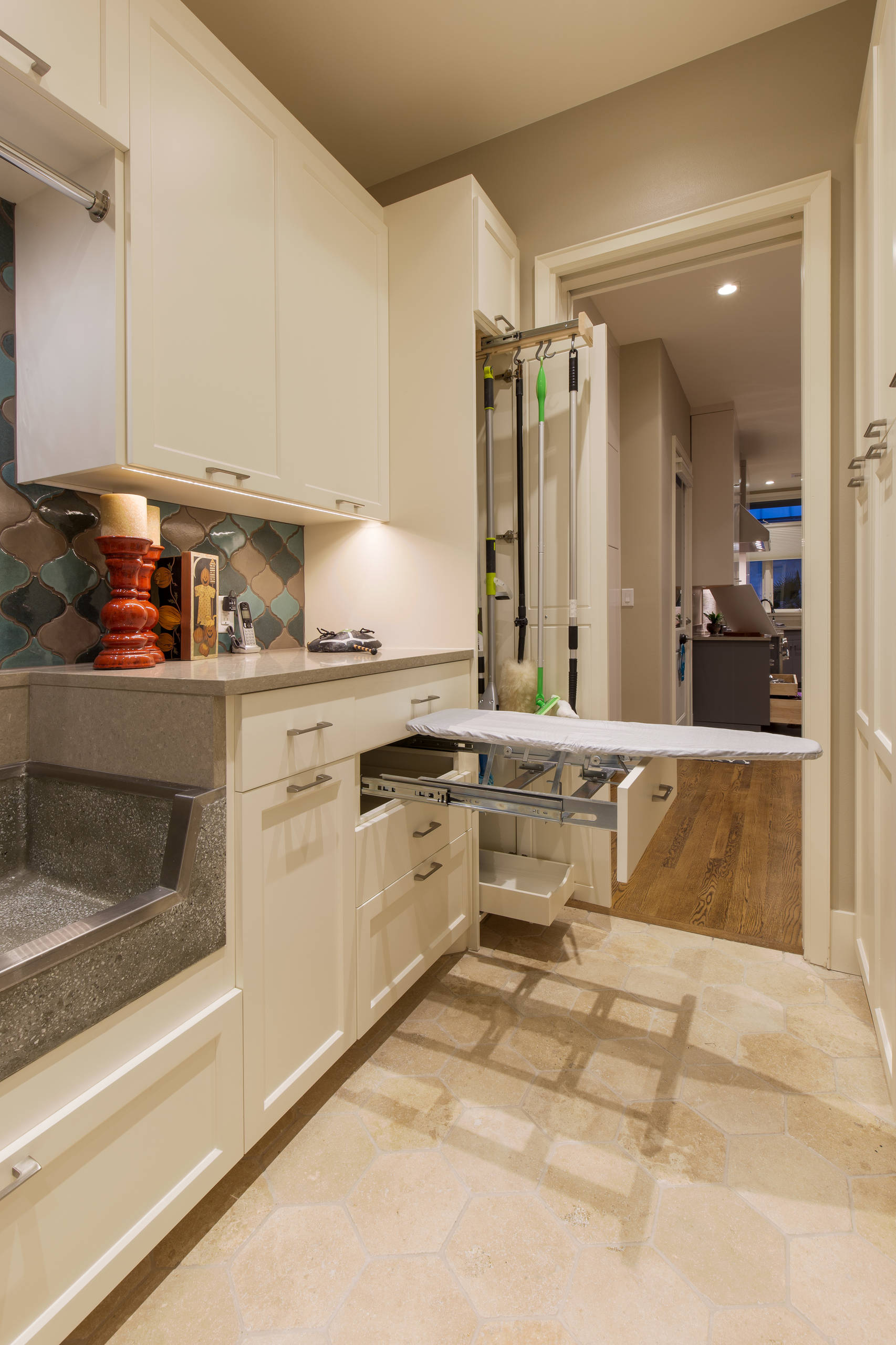 75 Beautiful Modern Laundry Room Pictures Ideas January 2021 Houzz