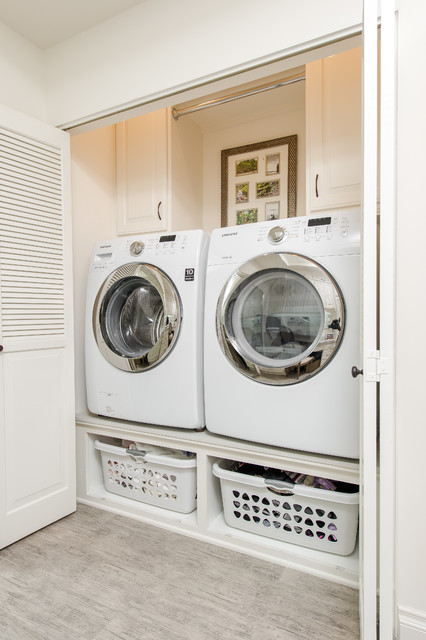 Laundry Room Doors Open Traditional Los