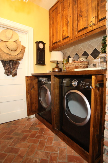 Laundry Room Hidden Washer Amp Dryer Traditional Laundry