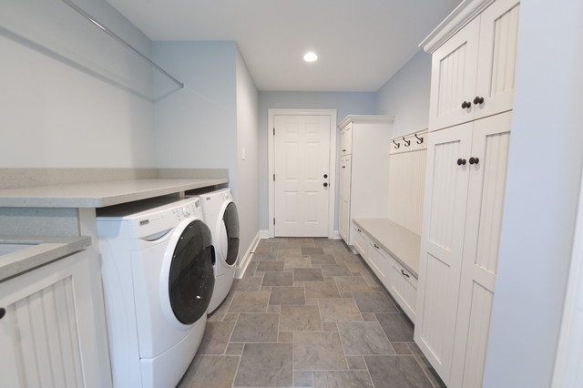 Laundry room mud room traditional laundry room for Bathroom mudroom combo