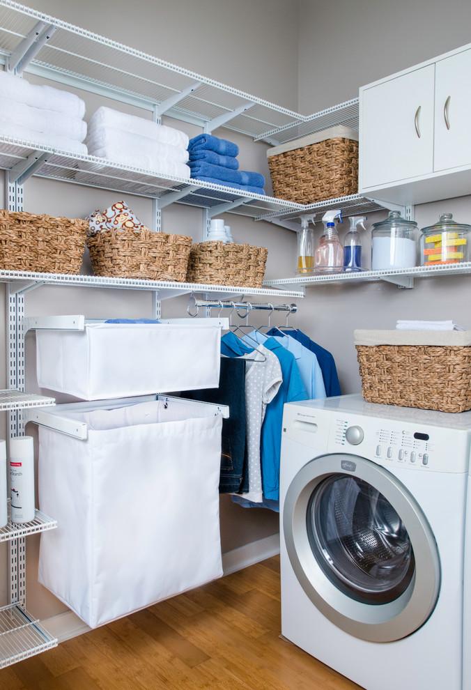 Example of a minimalist laundry room design in Cincinnati