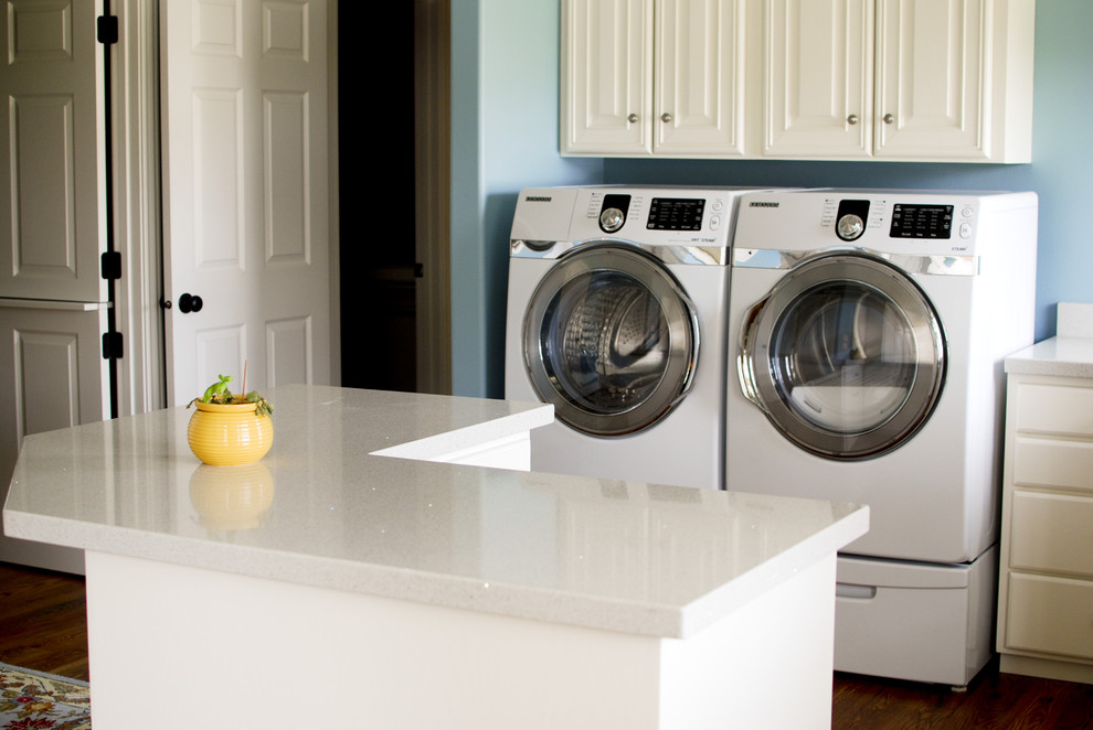 Example of a minimalist laundry room design in Salt Lake City