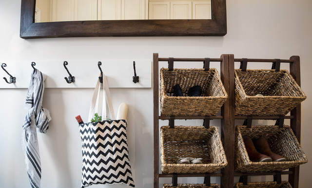 Inspiration for a farmhouse laundry room remodel in Cincinnati