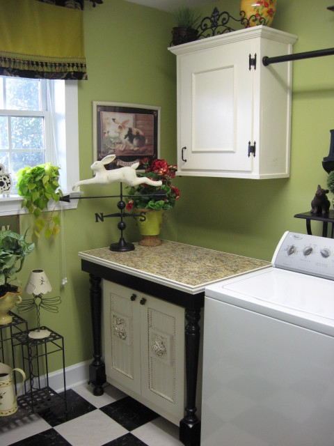 Lime Green Laundryroom- southernhospitality traditional laundry room