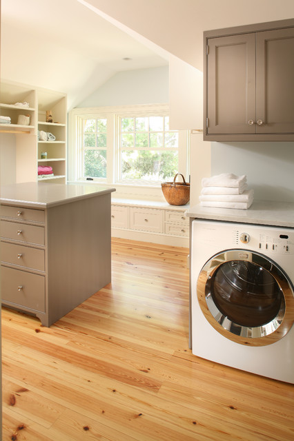 Master Laundry traditional-laundry-room