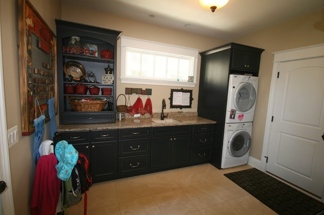 Matthies Builders traditional-laundry-room