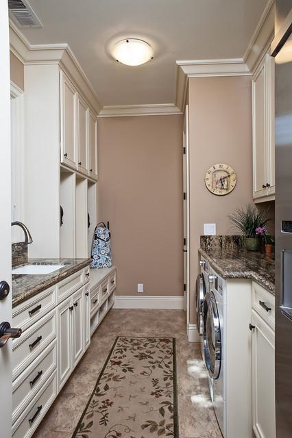 10x10 Laundry Room Layout: Custom Cabinetry