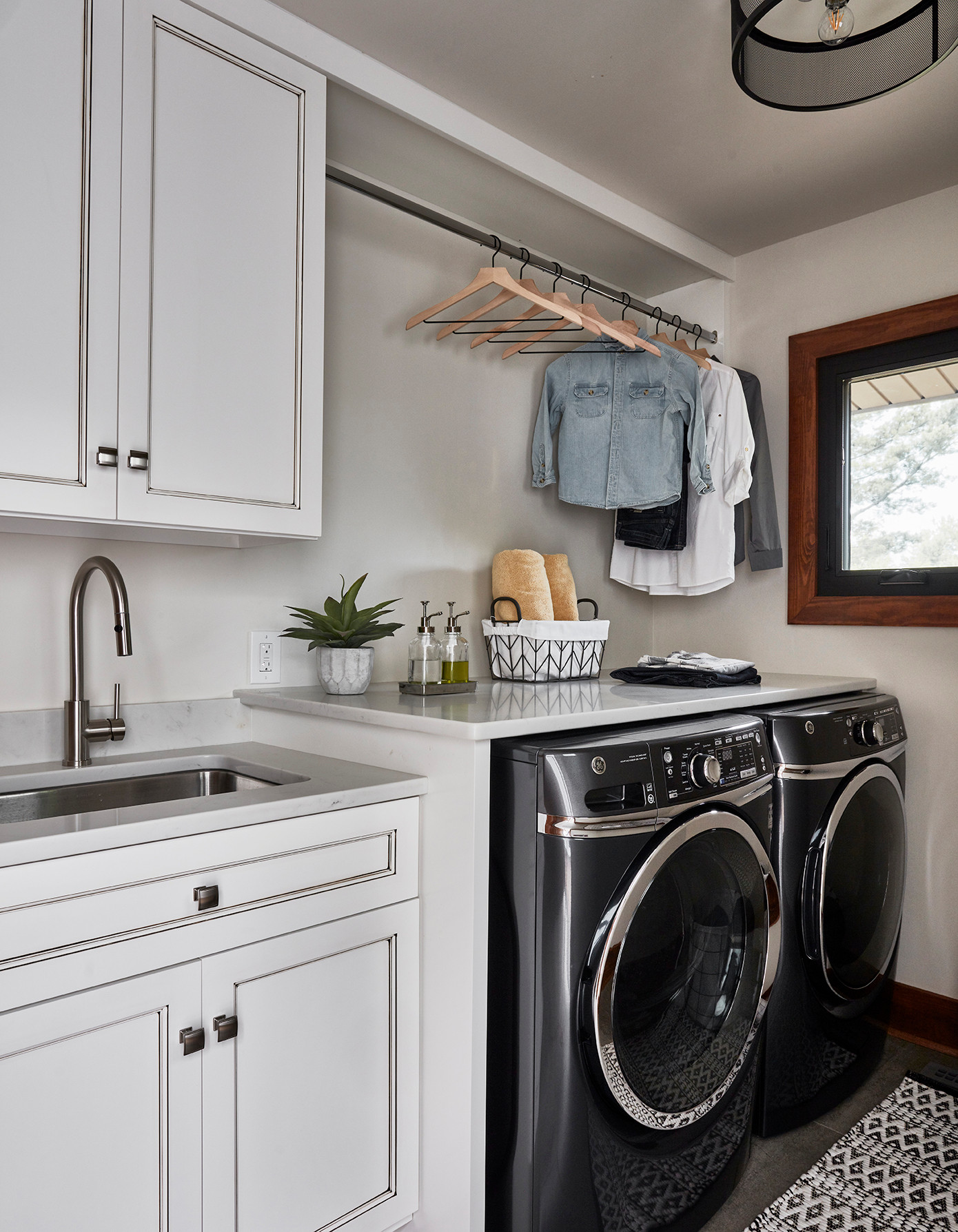 75 Beautiful Rustic Laundry Room Pictures Ideas December 2020 Houzz