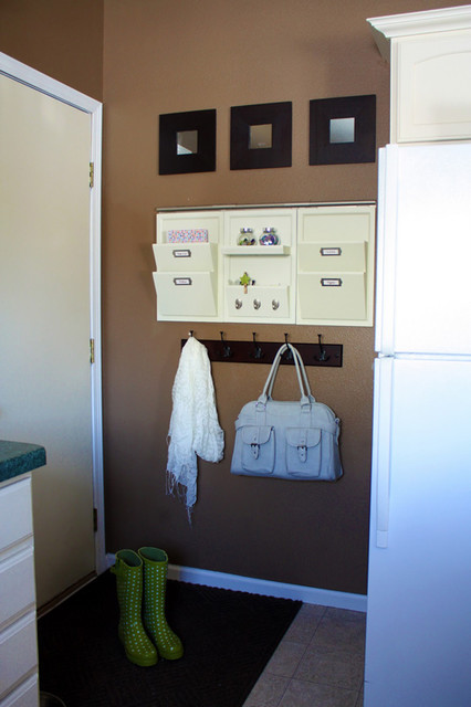 Mudroom contemporary-laundry-room