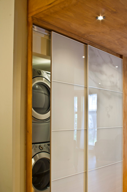 First-time home owners - Contemporary - Laundry Room - montreal - by ...