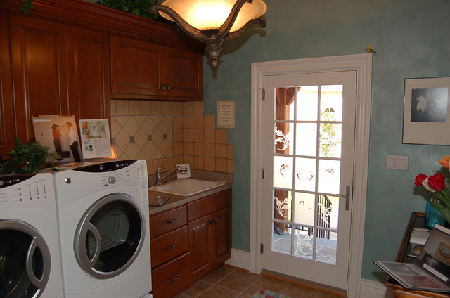 Napier signature homes traditional laundry room Richmond signature homes