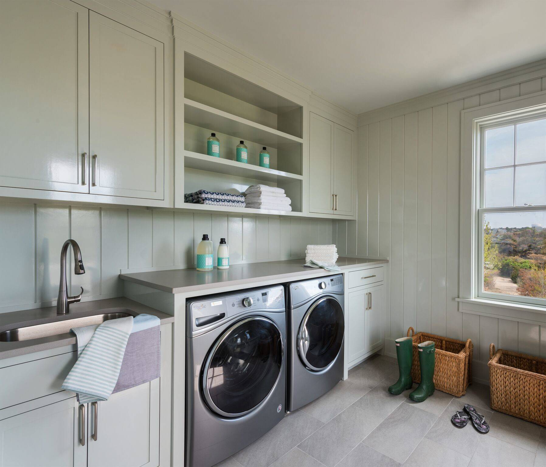 Shiplap Board Laundry Room Ideas & Photos  Houzz