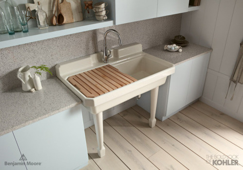 Farmhouse Laundry Sink : Old Fashioned Sink farmhouse-laundry-room