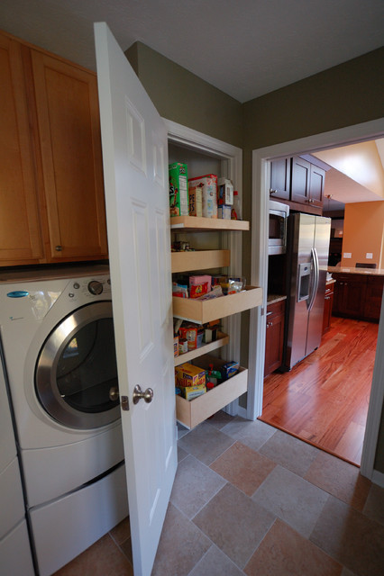 Pantry with Laundry Room