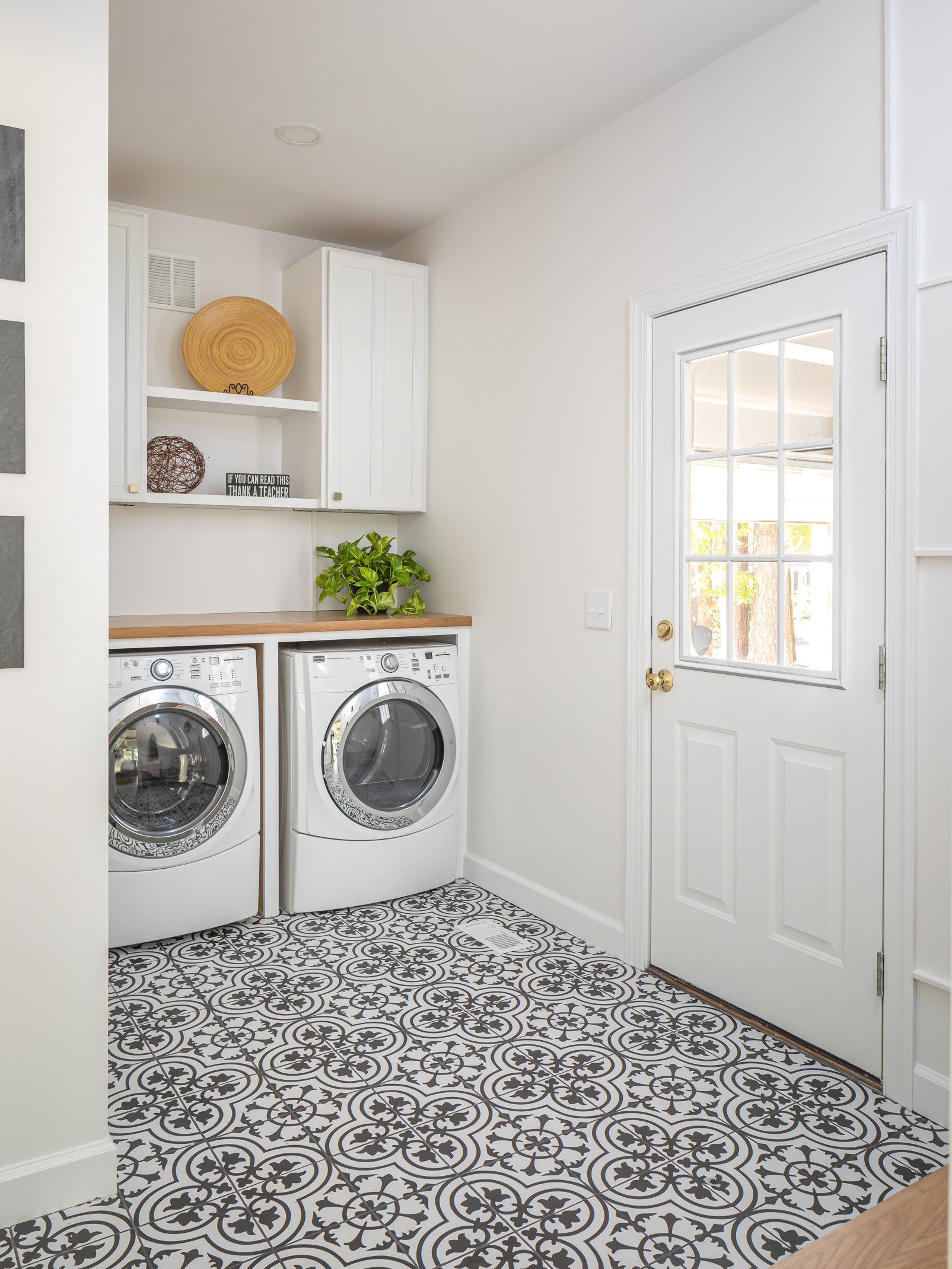 75 Beautiful Farmhouse Laundry Room Pictures Ideas February 2021 Houzz